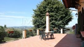 Vendita appartamento in villa ristrutturato Firenze sud terrazzo panoramico